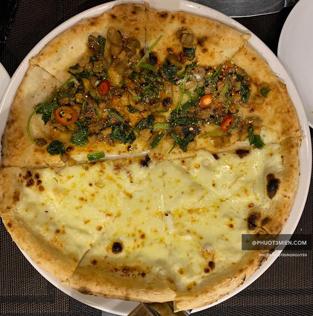 Pizza vịt hơ mông